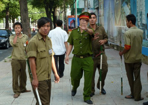Viet police and thugs